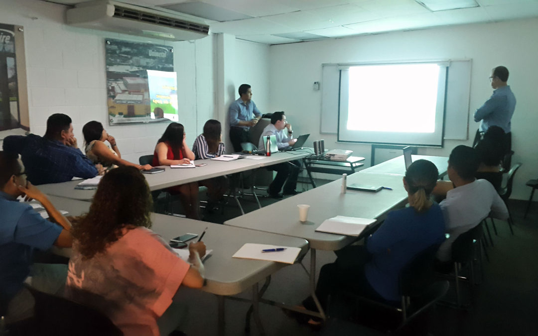 Solaire capacitando a sus profesionales en brindar convenientes Soluciones Fotovoltaicas
